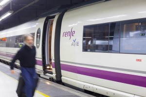 Aprovecha los descuentos para viajar en Ave a Zaragoza durante febrero
