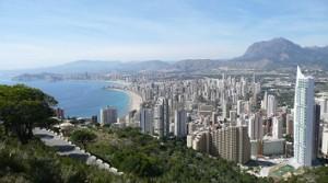 Benidorm acoge numerosos turistas del Ave Madrid-Alicante