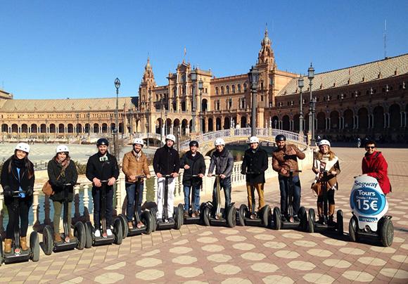 Disfruta del tour panorámico en segway viajando en Ave a Sevilla