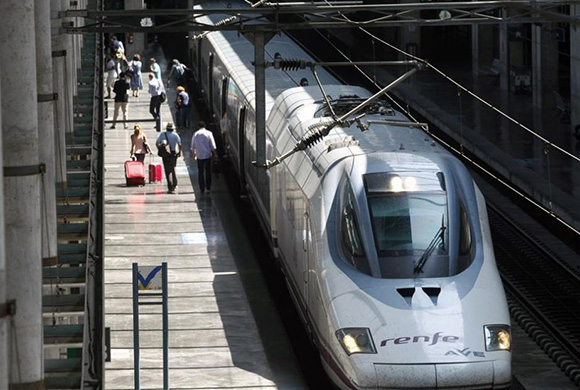 Crecen los viajes de residentes en España a Andalucía hasta marzo