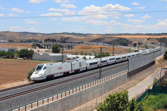 Disfruta del arte de Barcelona viajando en trenes AVE