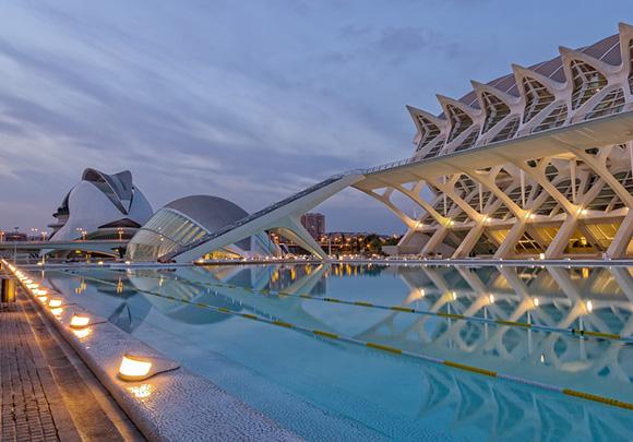 Aprovecha otoño para viajar en AVE a Valencia