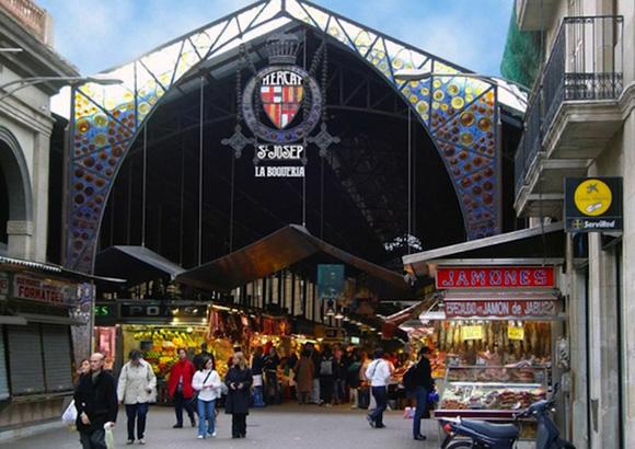 Disfruta de Barcelona haciendo un viaje barato en trenes AVE