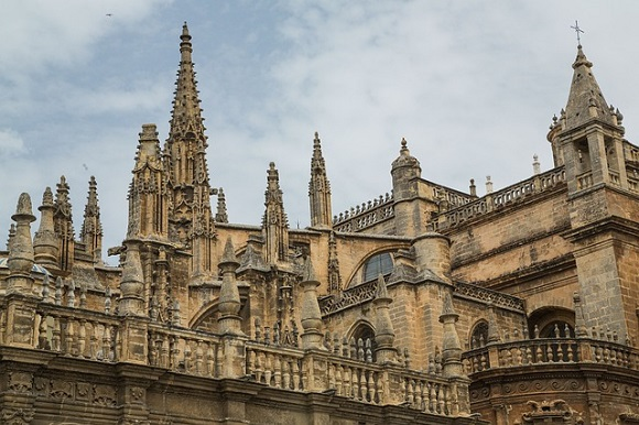 Billetes baratos para viajar en trenes AVE a Andalucía