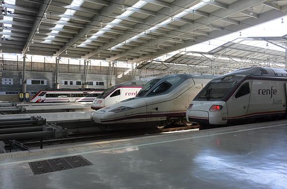 ¿Cuáles son las líneas de trenes AVE más utilizadas para viajar hasta o desde Sevilla este año 2017?