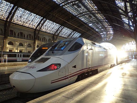 Los servicios ferroviarios más demandados se han reforzado un 5,74% para la campaña de verano 2017