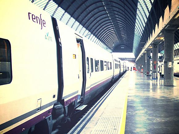 2,4 millones de usuarios en 2017 en los trenes AVE Madrid Málaga