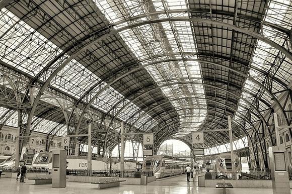 Viajar entre Madrid y Barcelona en trenes AVE en 2018