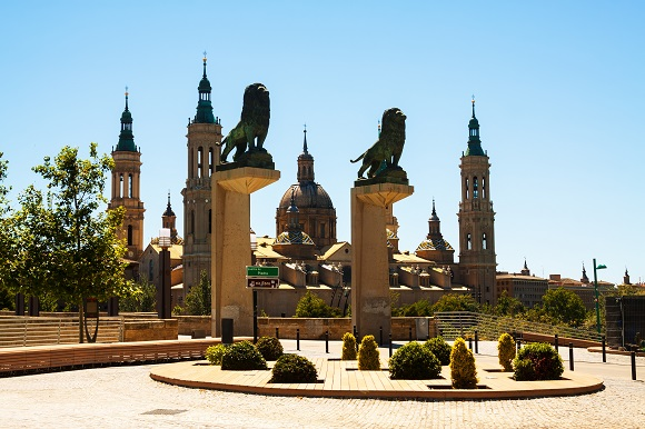 Trenes AVE baratos a Zaragoza para todos estos eventos y mucho más