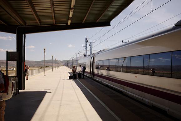 Los trenes AVE baten récords este verano 2018