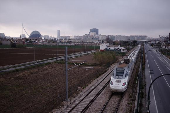 Los trenes AVE Madrid Castellón en obras octubre 2018